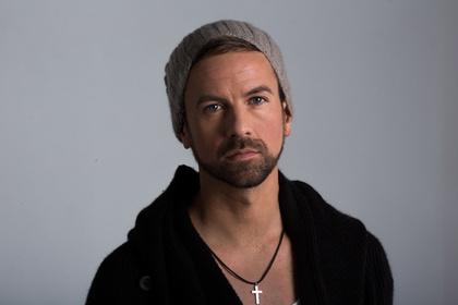 Musiker mit Mütze - Joel Brandenstein: Konzerte ausverkauft, Tour im Herbst 2017 angekündigt
