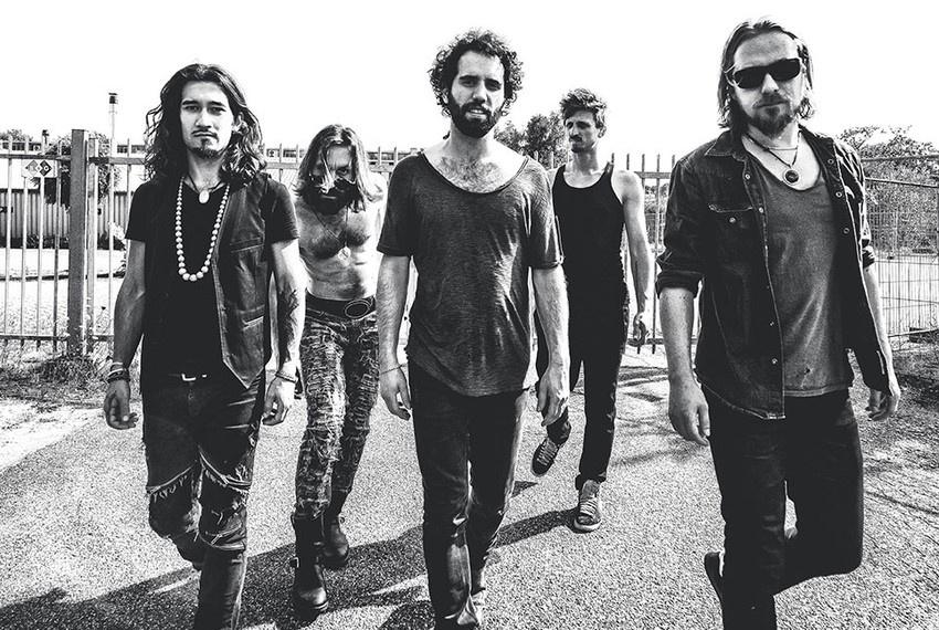 Rock-Oszillationen - Navarone spielen im Frühjahr sechs Konzerte in Deutschland