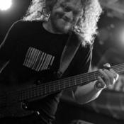 Bassist, Sänger sucht Mitmusiker (Sängerin)