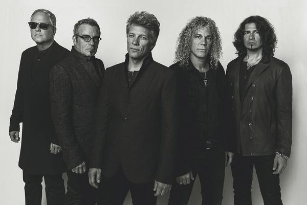 Hin- und hergerissen - Das Publikum feiert Bon Jovi beim Konzert in Düsseldorf