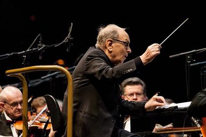 Filmmusik-Legende am Dirigierpult - Ennio Morricone verzückt die SAP Arena in Mannheim mit himmlischen Melodien