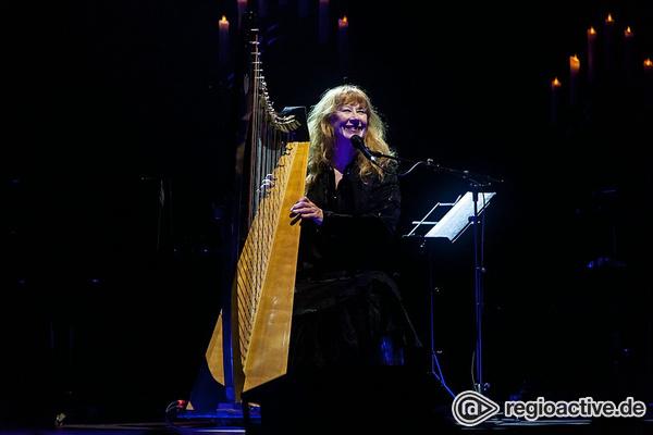 Musikalische Geschichtsstunde - Loreena McKennitt präsentiert sich im Mannheimer Rosengarten in erzählfreudiger Höchstform