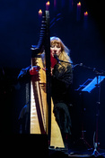 Im Trio: Fotos von Loreena McKennitt live im Mannheimer Rosengarten