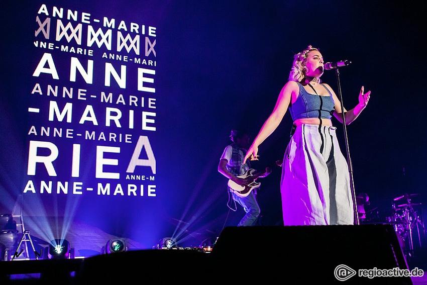 Anne-Marie (live in Mannheim 2017)