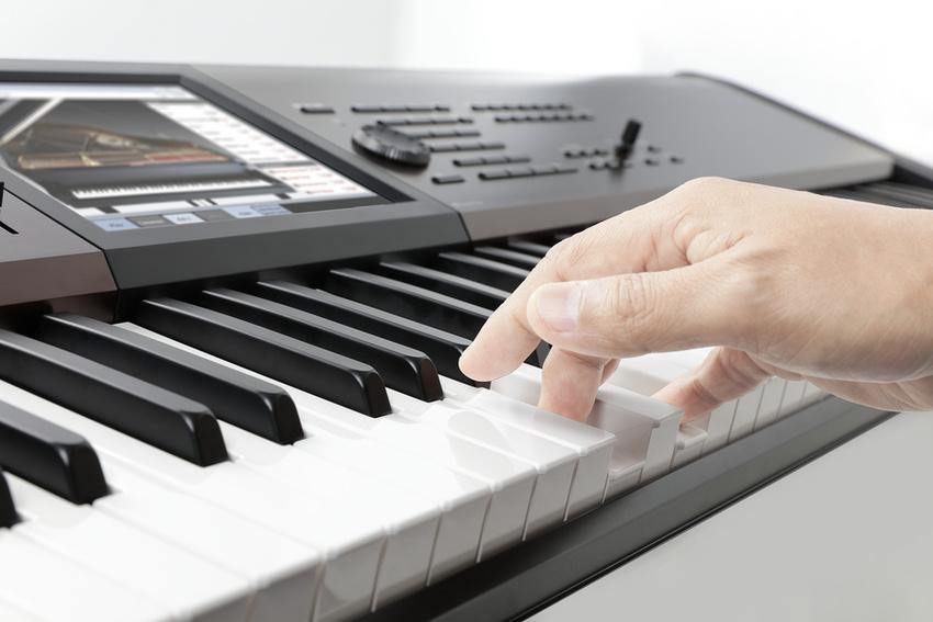 Extrem einfach bespielbar: KORG KRONOS LS Music Workstation