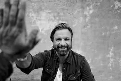 Ganz ohne Unterstützung - Henning Wehland ist im Herbst 2017 auf Solotour