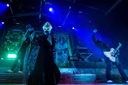 LaVey ist auch schon wütend - Ghosts Pop-Satanismus begeistert die Massen im Schlachthof Wiesbaden