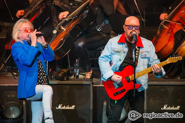 Streichzart - Fotos von Rock Meets Classic live in der Jahrhunderthalle Frankfurt