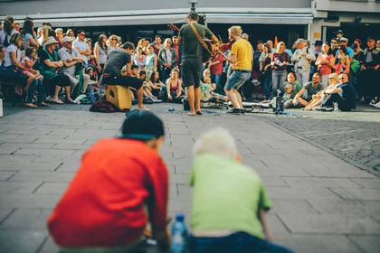 Straßenmusik in und um Deutschland: Regeln, Genehmigungen, Auflagen und Besonderheiten