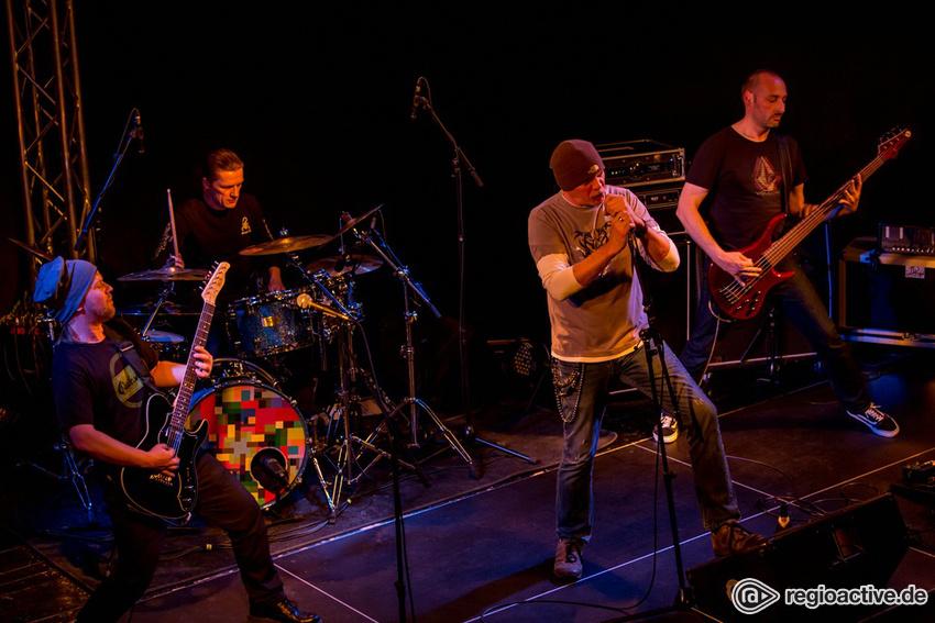 Fotos: FLOOD (live bei NewcomerTV in Oberursel 2017)