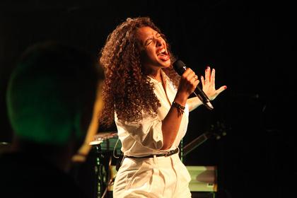 Großer Soul mit viel Tiefgang - Joy Denalane berührt das Publikum in Heidelberg mit ihren neuen Songs