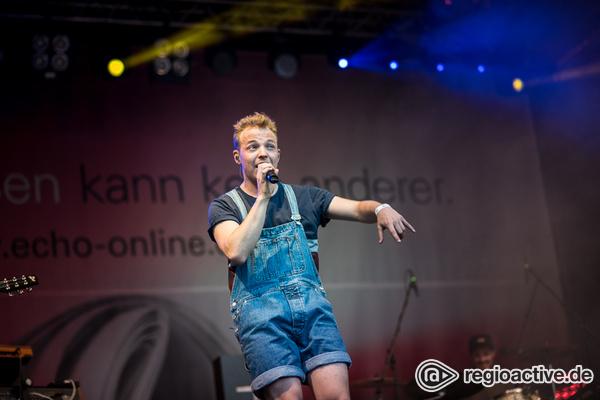 In Latzhose - Julian Philipp David: Live-Bilder des Newcomers beim Schlossgrabenfest 2017 in Darmstadt
