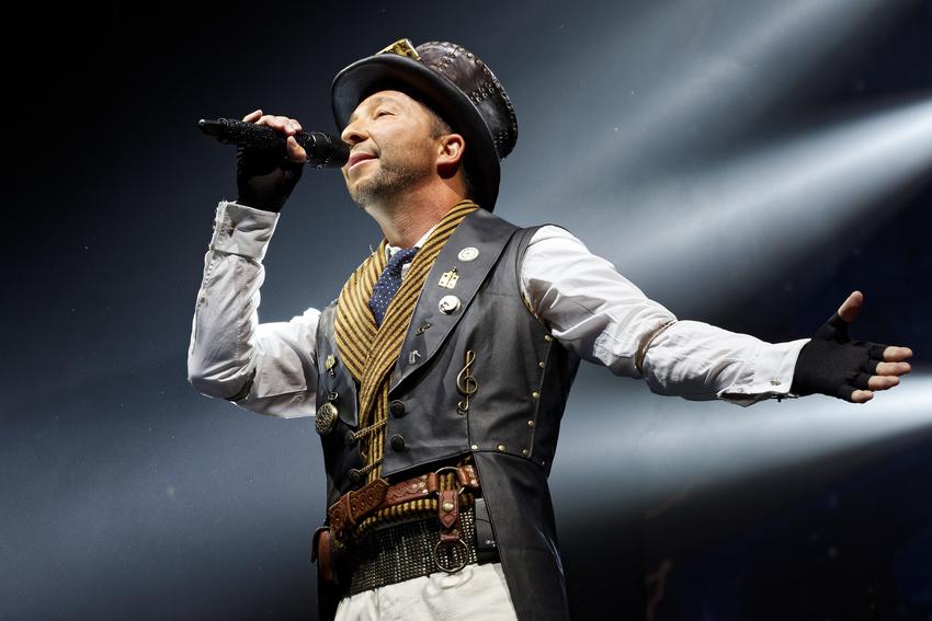 DJ BoBo: Spektakuläre Zeitreise-Show beim 25-jährigen Bühnenjubiläum