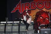 Auf's Ganze: Live-Bilder von Airbourne bei Rock im Park 2017