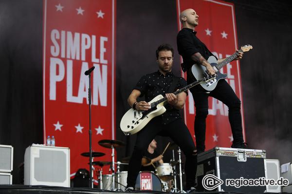 Sommer, Sonne, Sonnenschein - Happy: Live-Bilder von Simple Plan bei Rock im Park 2017