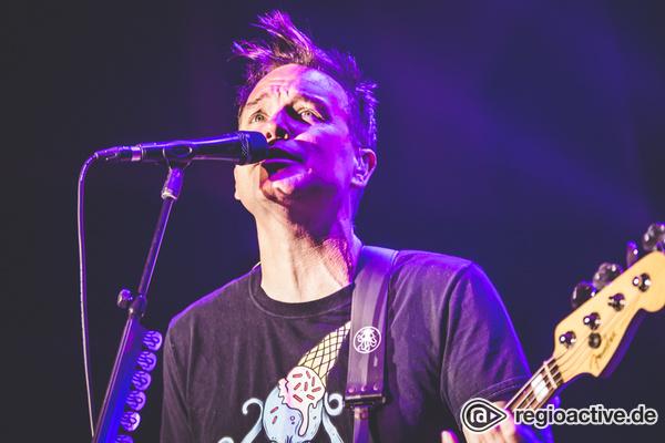 Nostalgie und Neubeginn - blink-182 schmeissen in der Festhalle Frankfurt eine rasante Pop-Punk-Party