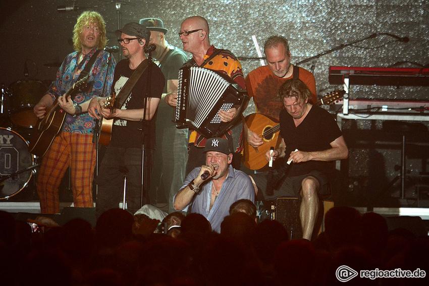 Gefragt - Fury In The Slaughterhouse: viele Konzerte der Akustik-Tour ausverkauft
