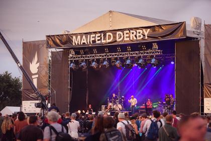 Bunter Strauß - Neue Bands für das Maifeld Derby 2018 bestätigt