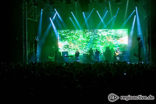 Slow, aber laut - Traumzeit: Bilder von Slowdive live auf dem Maifeld Derby 2017