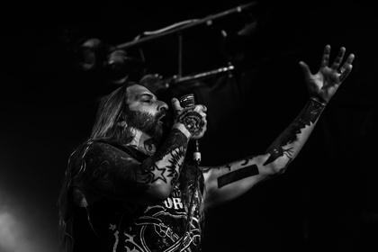 Da geht der Hirsch durch - Die dunkle Seite: Bilder von DevilDriver live im Hirsch in Nürnberg 2017