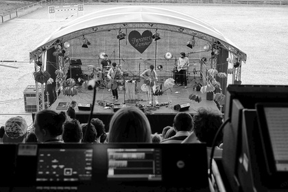 Entspannter Folk-Pop - Live-Fotos von Tall Heights live auf dem Maifeld Derby 2017