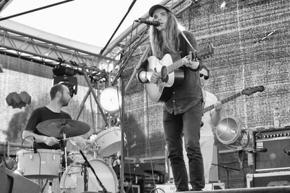 Herzerweichend - Warme Stimme: Live-Fotos von Andy Shauf live auf dem Maifeld Derby 2017