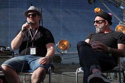 Drei Speaker aus der Musik- und Kulturszene - Vom Scheitern: Fotos der FuckUp Nights beim Maifeld Derby 2017