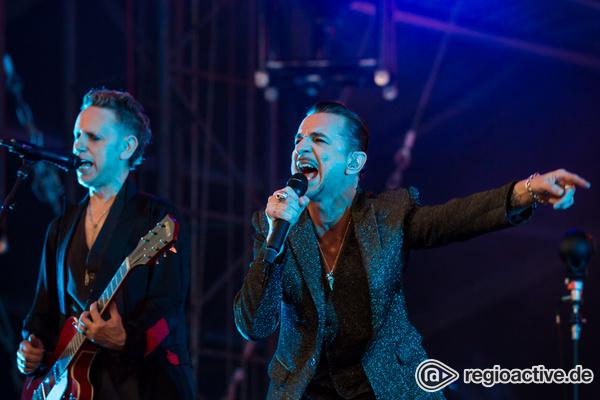 Größer geht nicht - Depeche Mode: Fotos der Superstars live in der Commerzbank-Arena in Frankfurt