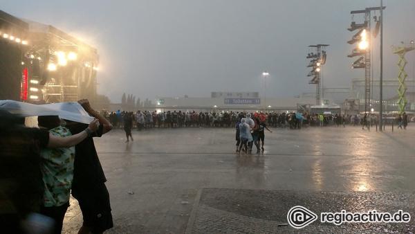 Feucht, aber fröhlich - Impressionen vom Guns N' Roses Konzert in Hannover