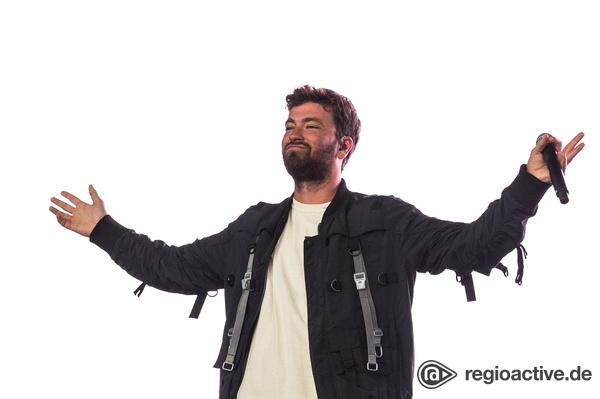 Mittendrin - Hände hoch! Live-Bilder von Marteria beim Wireless Festival 2017