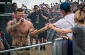 Muskelprotz: Bilder von Kontra K live beim Southside Festival 2017