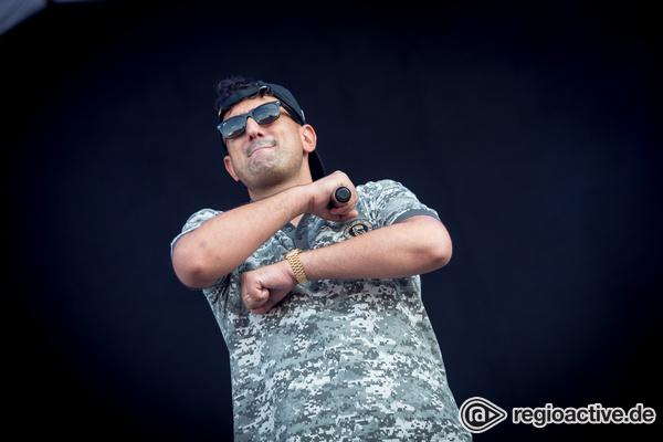 Deutscher Rapper mit türkischen Wurzeln - Haftbefehl: Live-Bilder des Rappers beim Southside Festival 2017