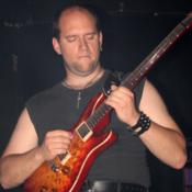 Gitarrist, Bassist, Sänger sucht Band