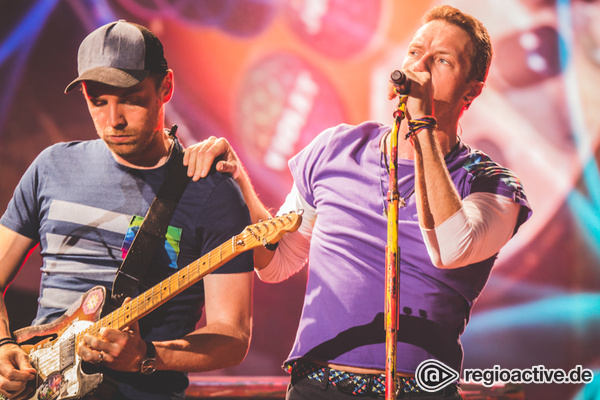 Pop in Stadiongröße - Knallbunt: Live-Bilder von Coldplay aus der Commerzbank-Arena in Frankfurt