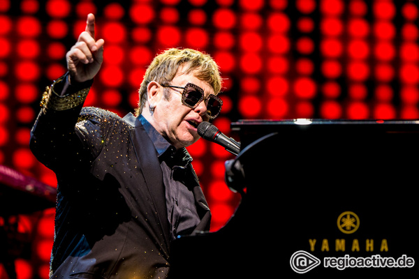 The bitch is back... and gone - Elton John spielt in Wiesbaden ein Abschiedskonzert mit Höhen und Tiefen