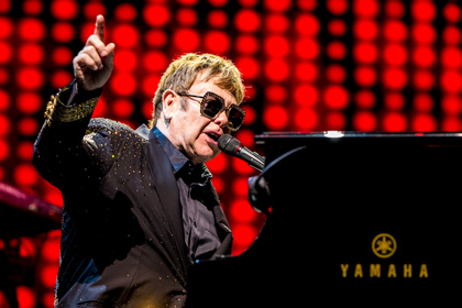 Aufgrund großer Nachfrage - Elton John kündigt erneut Zusatztermine für Deutschlandtour 2020 an