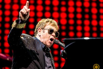 Die Rampensau - Elton John entfacht Begeisterungsstürme in der Mannheimer SAP Arena