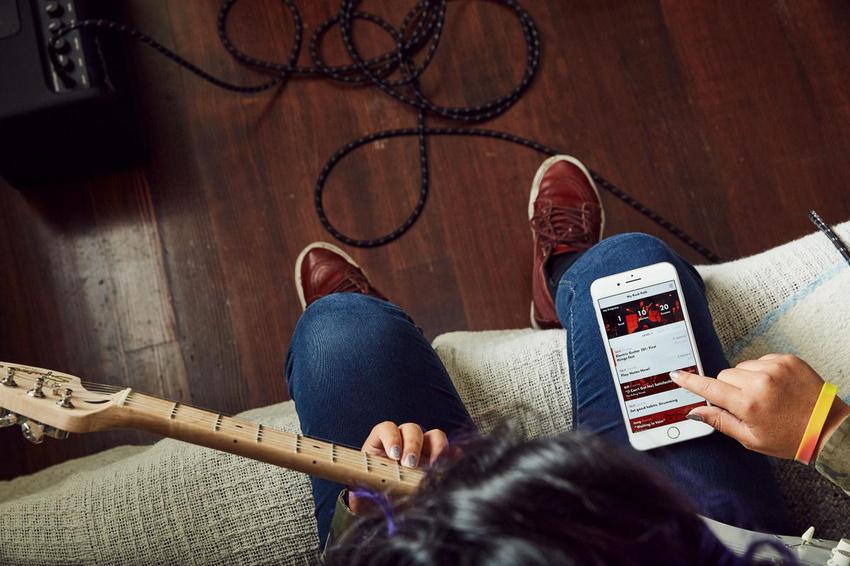 """Online Gitarre lernen: Fender stellt digitale Unterrichtsplattform """"Fender Play"""" vor"""