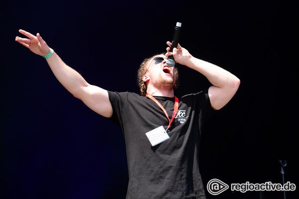 Rap Made In Germany - Wortspiele: Live-Fotos von Rapper 3Plusss beim Happiness Festival 2017