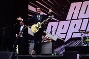 Mimische Akrobatik: Live-Bilder von Royal Republic beim Happiness Festival 2017