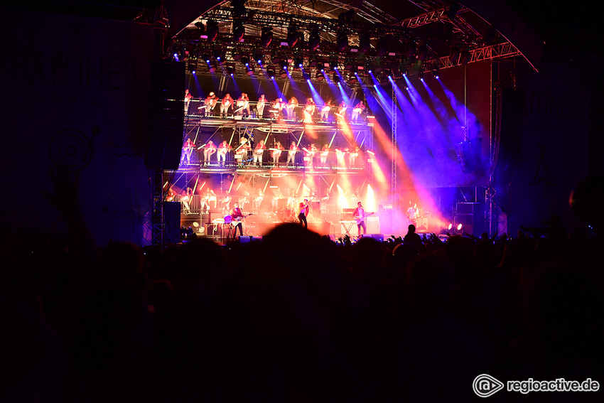 Kraftklub (live beim Happiness Festival 2017)