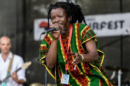 Rastas und Reggae - Karibik-Feeling: Live-Fotos von Pachango & Ya Zuzus im Rebstockpark in Frankfurt
