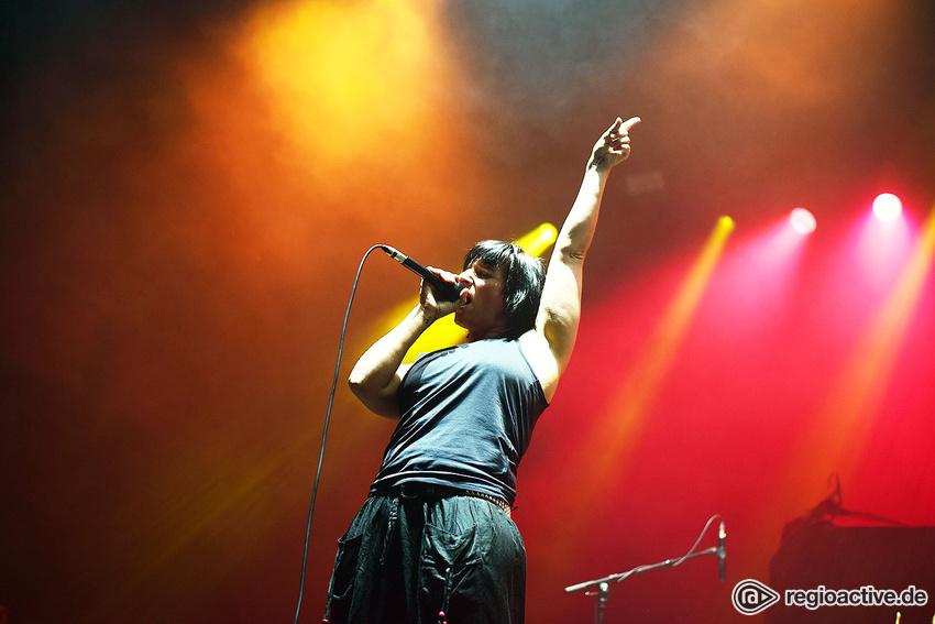 Revolution Eve (live in Köln, 2017)