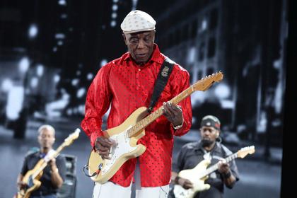 Ehrwürdig - Blues Legend: Live-Fotos von Buddy Guy live bei den Jazzopen Stuttgart
