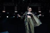 Extravagant: Live-Bilder von Frida Gold beim Deichbrand Festival 2017