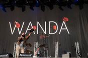 Wanda: Bilder der Austro-Popper live beim Deichbrand Festival 2017