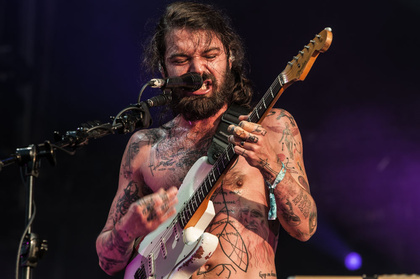 Winter is coming - Wolfszähne: Live-Bilder von Biffy Clyro beim Deichbrand Festival 2017 in Cuxhaven