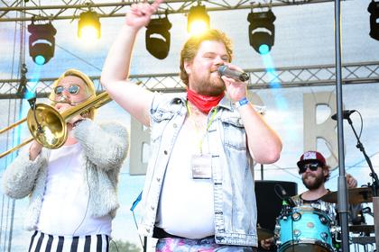 Mit Trompeten und Posaunen - Polkastars: Live-Bilder von B6BBO beim Trebur Open Air 2017