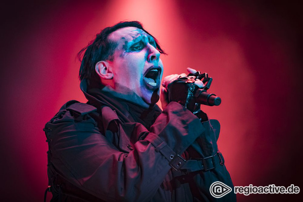 Unfassbar - Marilyn Manson bei Bühnenunfall in New York verletzt
