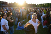 Emotional: Live-Bilder von Philipp Poisel bei Musik im Park in Schwetzingen